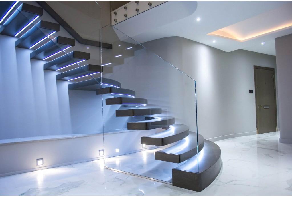 Освещение лестницы: основные правила
